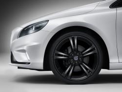 volvo-v40-carbon-edition-2015-04