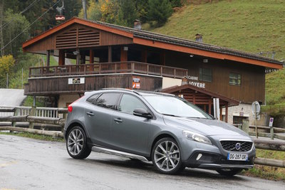 volvo-v40-cross-country-d4-drive-e-190-photo-laurent-sanson-15.400