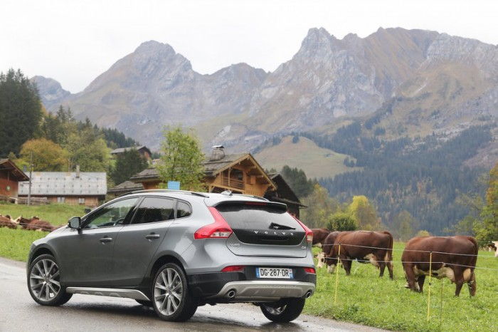 volvo-v40-cross-country-d4-drive-e-190-photo-laurent-sanson-16